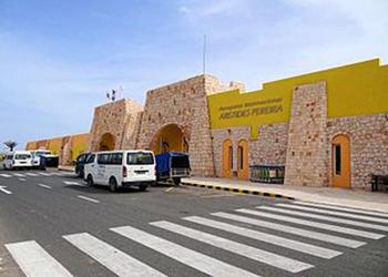 aeroporto-internacional-aristides-pereira-terminal-2012_350